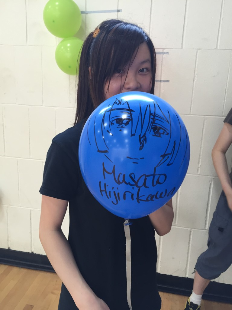 A contestant declaring her favourite character on a balloon!